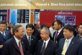 hoi-cho-det-may-may-mac-va-thoi-trang-tai-thuong-hai-trung-quoc-2012